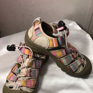 Keen Youth Size 1 Pink Pastel Rainbow Sandals